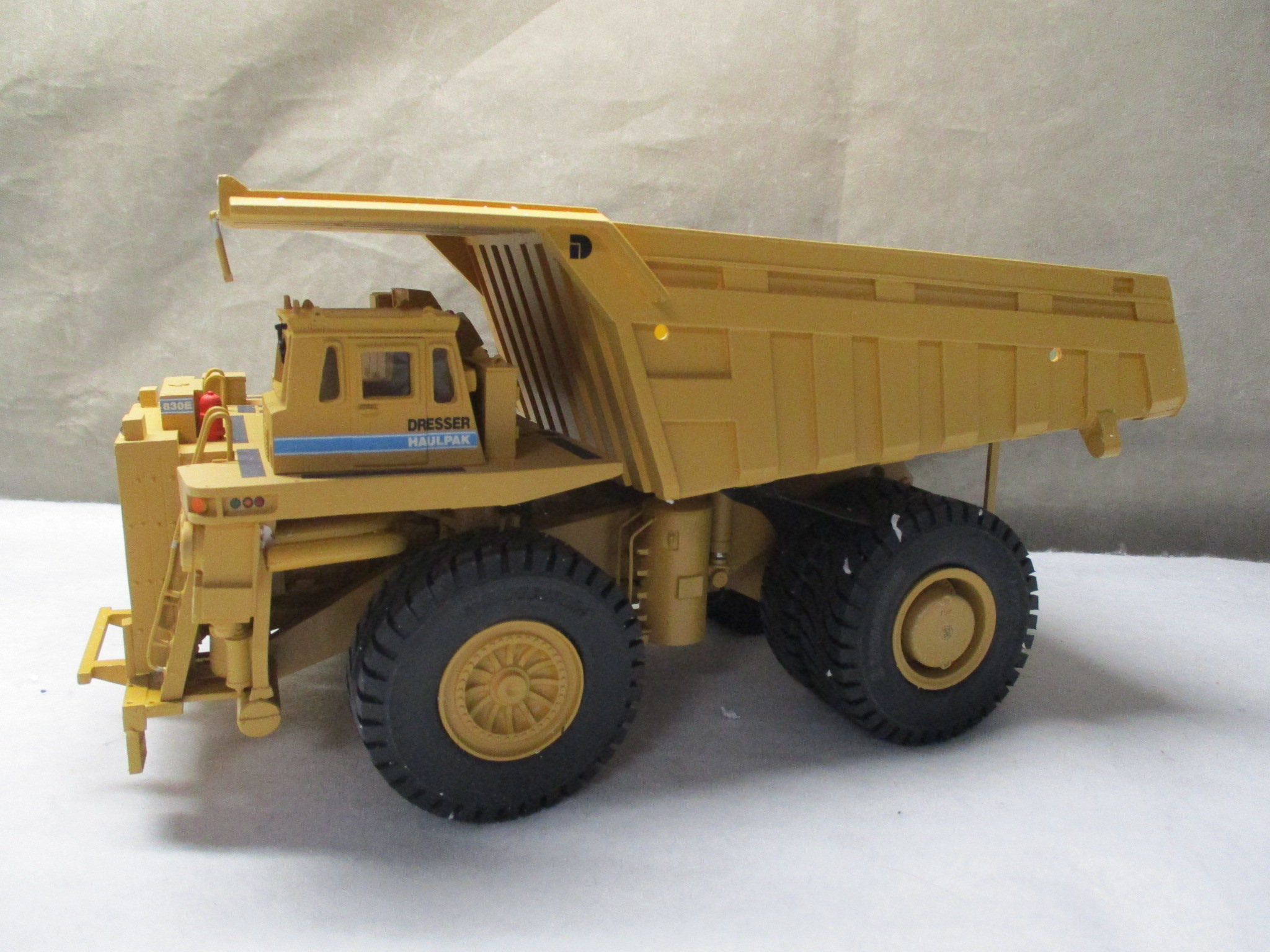 OHS Dresser 830E Mine Off Highway Dump Truck Updated 1/50 USED
