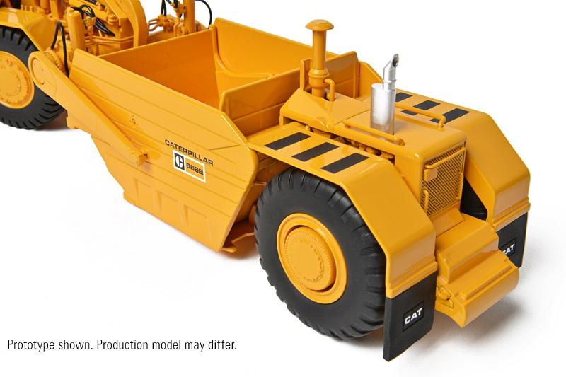 CCM CAT 657B Tractor Scraper with 666B Coal Bowl 1:48