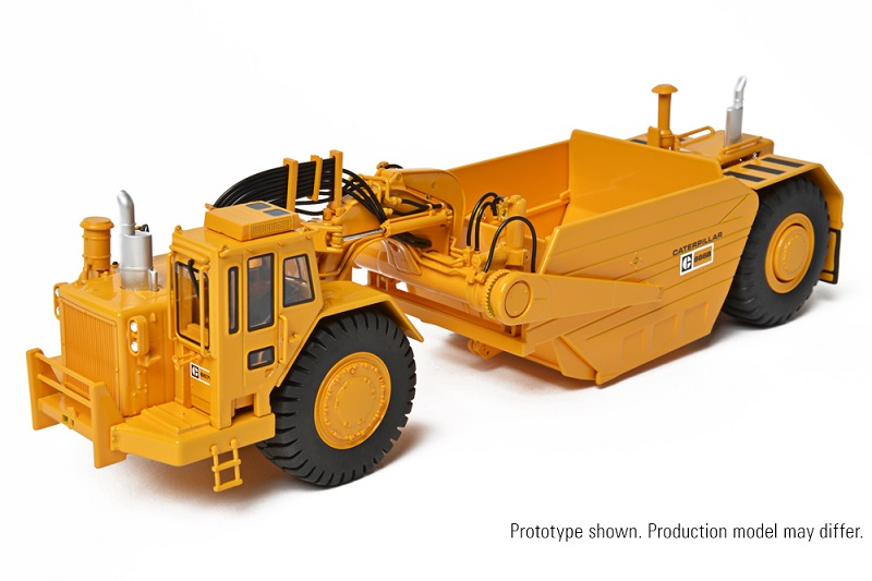 CCM CAT 657B Tractor Scraper with 666B Coal Bowl 1:48
