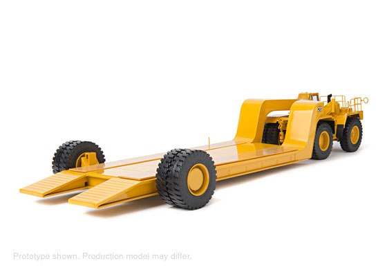 CCM CAT 776 Off-Highway Tractor with MET-185 Trailer 1:48