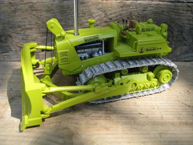 EMD Euclid C6 Cable Blade Dozer 1:50