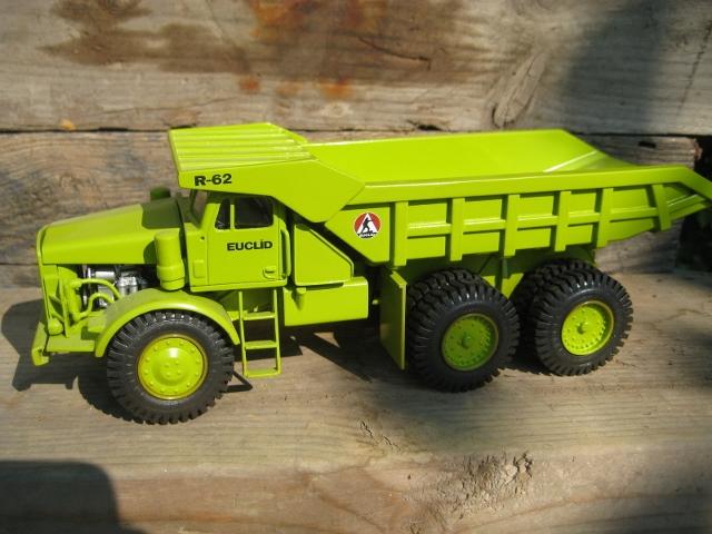 EMD Euclid R62 Mining Dump Truck 1:50