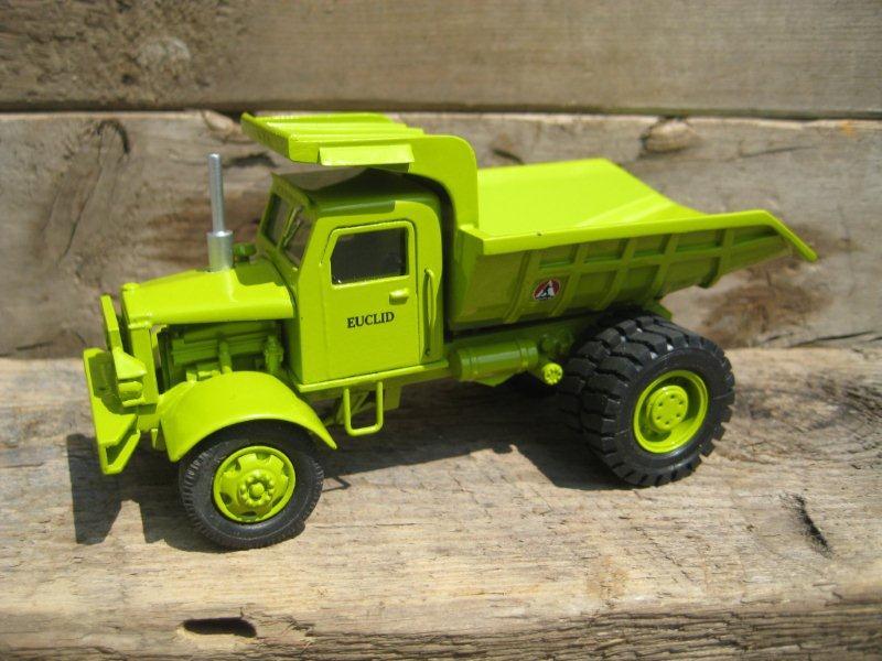 EMD Euclid R12 Dump Truck 1965 1:50