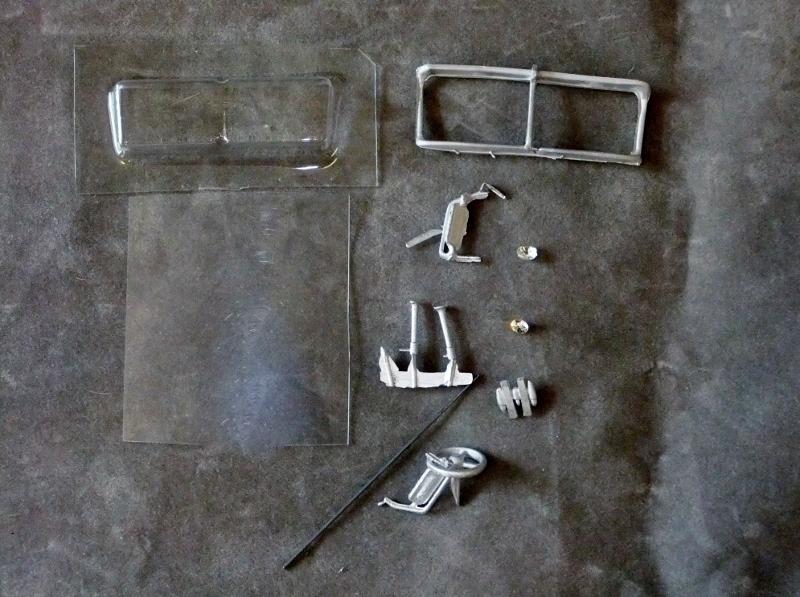 Keystone Models Mfg Mack Day Cab 700 4x2 NEW Unassembled Kit 1:48